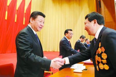 以劳动托起中国梦