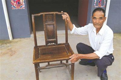 村民家祖传绿檀木官帽椅已有500多岁