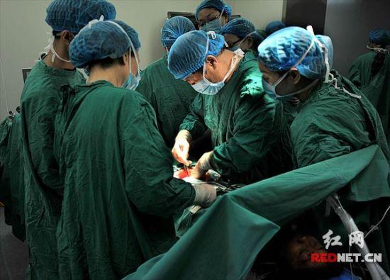 医院直播妇科手术 呼吁减少对生育器官损害(图)