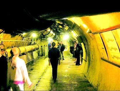 实际上2006年青岛地下排水管线为2379公里,德国人百年前所建管线,不到