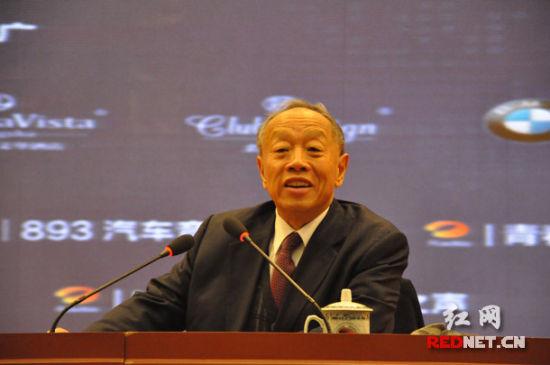 李肇星对话湖南企业家:国外投资安全很重要(图)