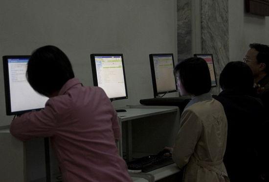 外媒揭秘朝鲜网络现状 民众免费上国家局域网(组图)