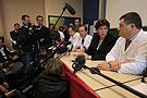 法国卫生部长回答记者提问