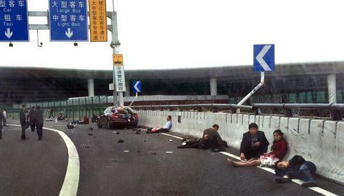 """这起酿成9死、23伤的重特大车祸事故,""""罪魁""""并不止""""奔驰女""""一个"""