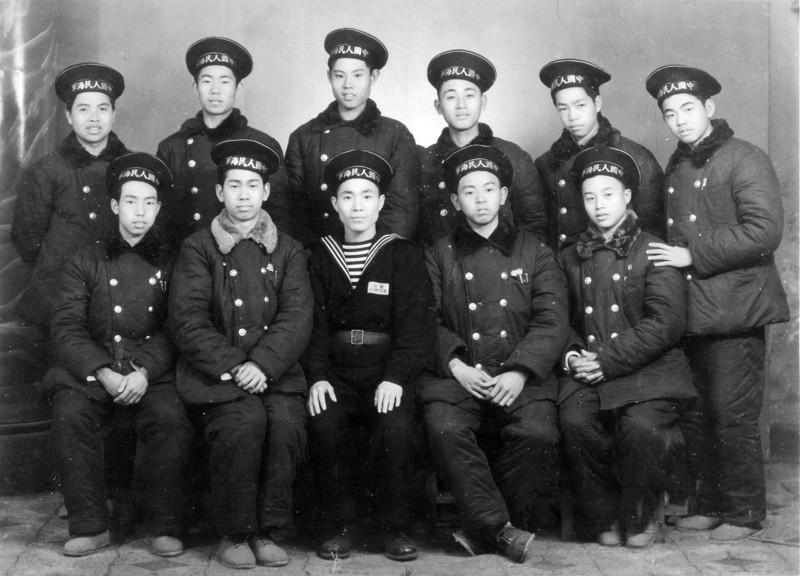 中国海军联合学校首批学员寻找60年前老战友