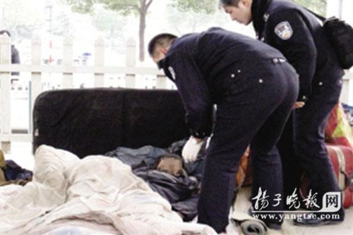露宿农民工疑因天气寒冷暴毙高架桥下(图)