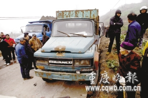 少年偷开报废车碾死村民其父亦是无证驾驶(图)
