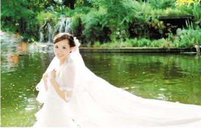 ● 张丽莉的婚纱照