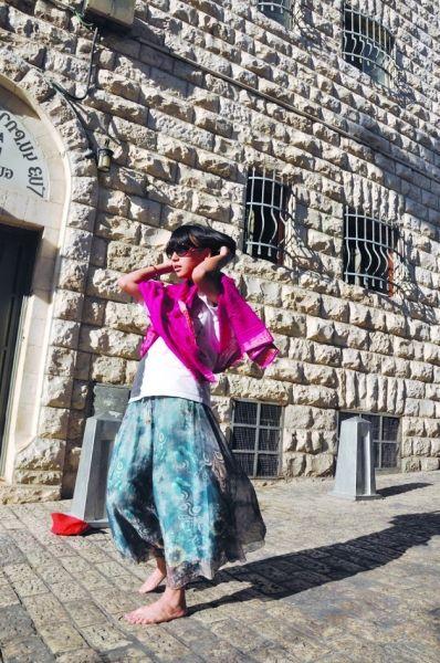 今年8月份,王泓人走在以色列耶路撒冷街头。  王泓人 提供
