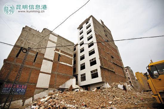 牛街一处未拆除的村民民房。记者孟祝斌/摄