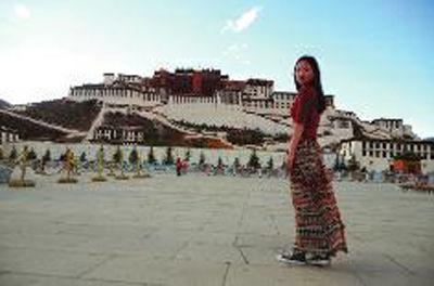 周淼在西藏拉萨布达拉宫
