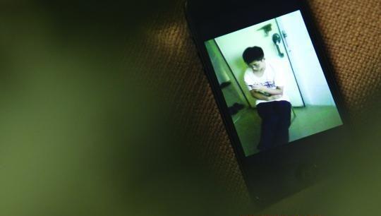 陈密斯手机中被害侄子的相片。 南都记者 刘有志 摄