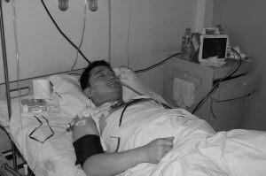 军校教员斗持刀歹徒重伤忍痛开车求救(图)