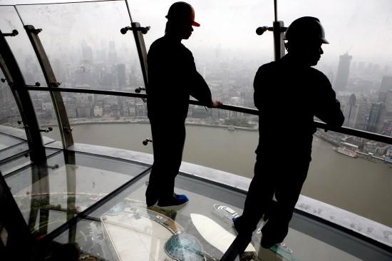 组图:上海东方明珠295米高空观光悬廊将开放