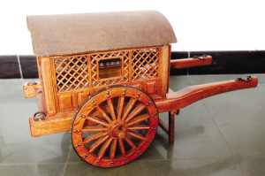 古代马车模型。