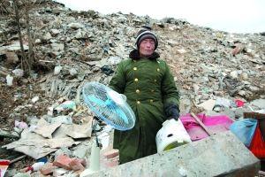 农场23间房屋遭强拆 工人称事发时被限自由