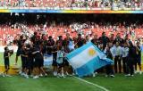 图文:阿根廷队在仪式后合影