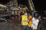 现场群众参与救援