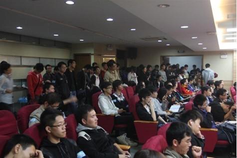 37wan校园招聘宣讲现场爆满
