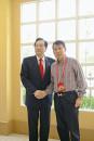 作为海协会赴台代表团成员与团长陈云林合影