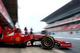 图文-F1季前第二轮试车三日 法拉利车队维泰尔