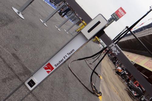 图文-F1车队紧张备战西班牙站 索伯车队的设施