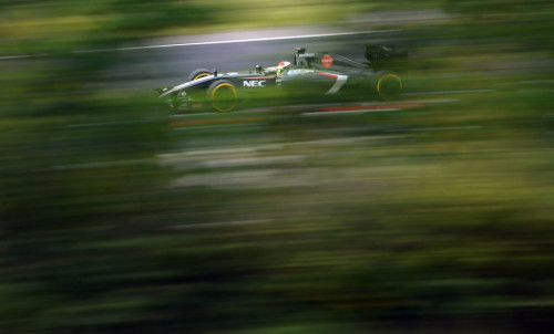 图文-F1匈牙利站周六影像 索伯车队霍肯伯格