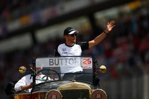 图文-F1西班牙站正式比赛 迈凯轮车队巴顿