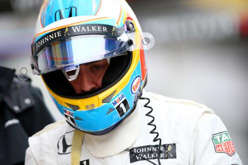 图文-F1奥地利站排位赛 迈凯轮车队阿隆索