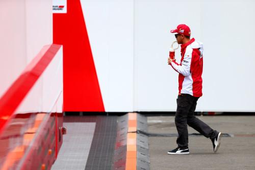 图文-F1奥地利站正式比赛 法拉利车队维泰尔
