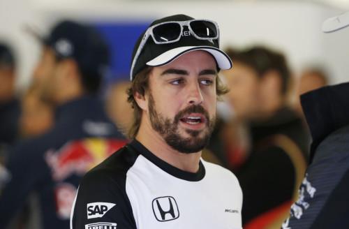 图文-F1英国站正式比赛 迈凯轮车队阿隆索