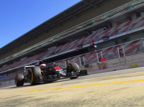 图文-F1季前试车第6日(03.02) 迈凯轮车队巴顿