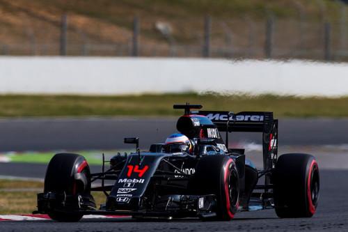 图文-F1季前试车第7日(3月3日) 迈凯轮车队阿隆索