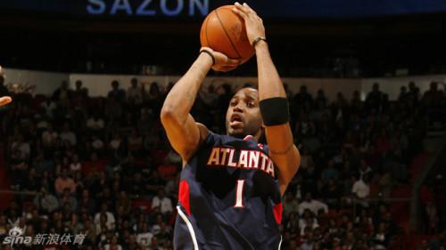 图文-麦蒂入选NBA名人堂 老鹰生涯
