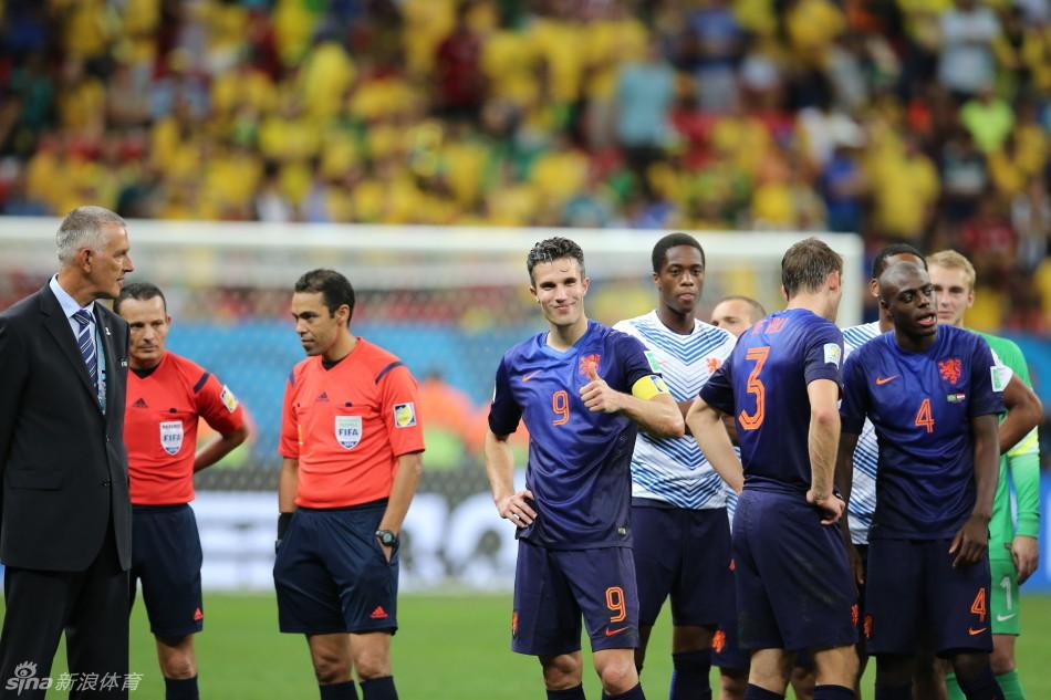 新浪直击巴西0-3荷兰