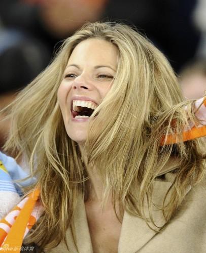 高清图-西班牙荷兰美女球迷大PK