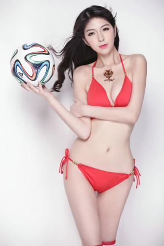 高清图-足球报女神嫩模赵琳最爱韩国