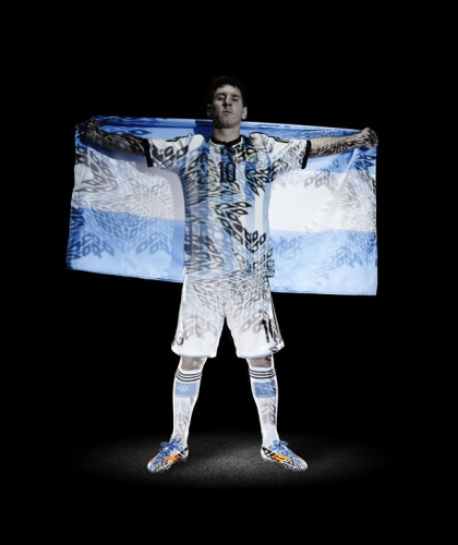 梅西披阿根廷国旗拍写真