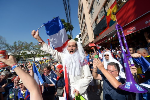 新浪直击厄瓜多尔法国赛前球迷