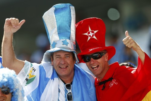 阿根廷瑞士球迷集锦
