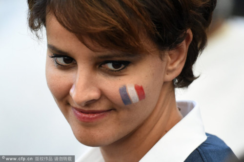 法国美女部长领衔名流观战