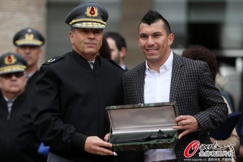智利队表现出色 梅德尔受陆军奖励