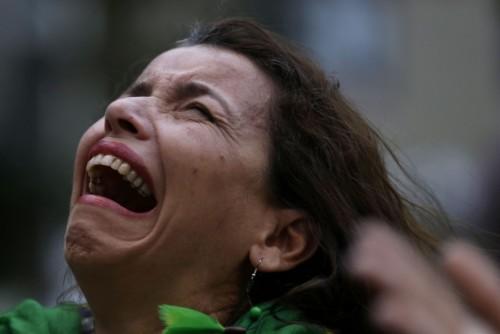 高清图-巴西惨败球迷痛哭流涕