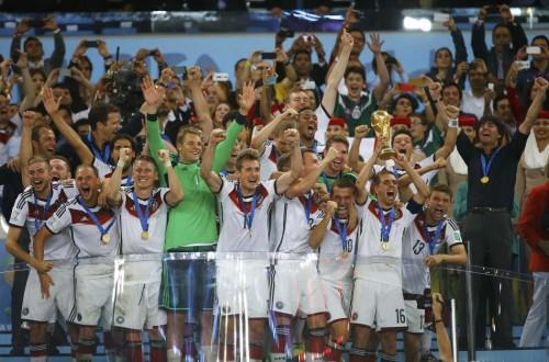 高清图-巴西世界杯冠亚军颁奖仪式