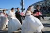数百民警鸟巢结婚