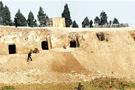 绵阳发掘出东汉崖墓群