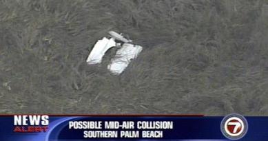 美国两架飞机相撞坠毁至少1人死亡(图)