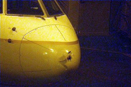 美国客机被闪电击中机头严重损毁(图)