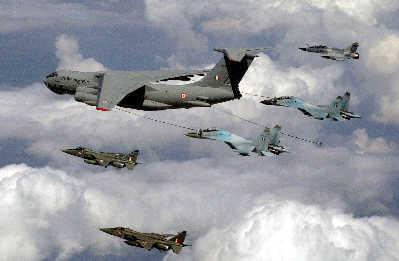 印度想与中国举行空军演习(图)