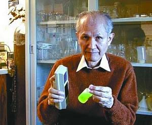 钱学森堂侄等三人获诺贝尔化学奖